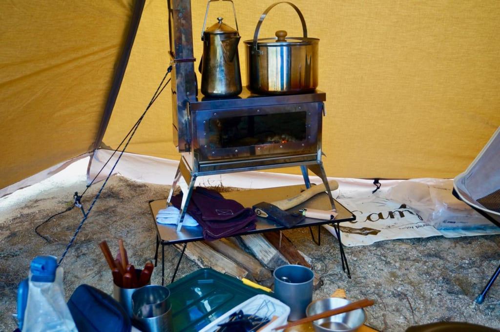 サーカスTCに薪ストーブ「焚き火の箱G-neo」をインストール